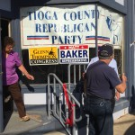 Volunteers prepare for 2016 Campaign Office opening